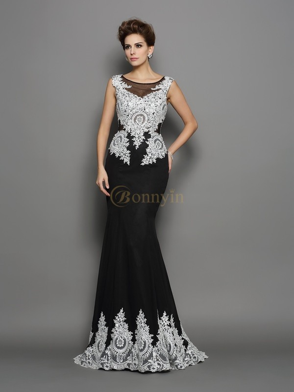 Black Chiffon Scoop Trumpet/Mermaid Chapel Train Dresses