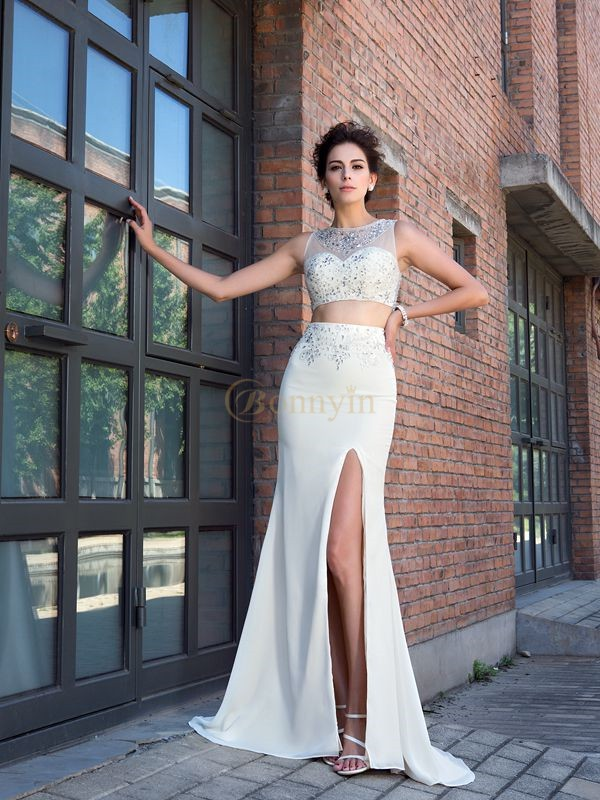 Ivory Chiffon High Neck Sheath/Column Sweep/Brush Train Prom Dresses