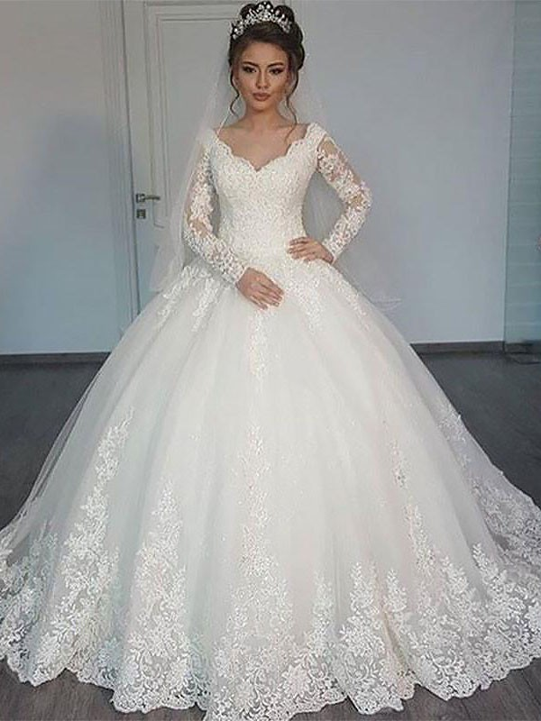 Ivory Tulle V-neck Ball Gown Court Train Wedding Dresses