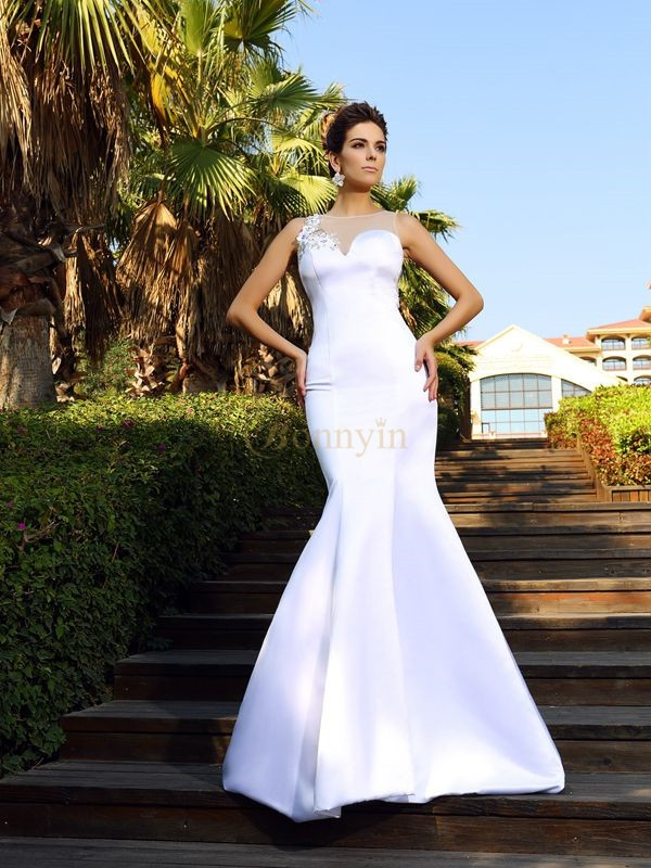 White Satin Scoop Trumpet/Mermaid Court Train Dresses