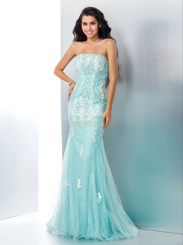 Light Sky Blue Lace Strapless Trumpet/Mermaid Sweep/Brush Train Prom Dresses