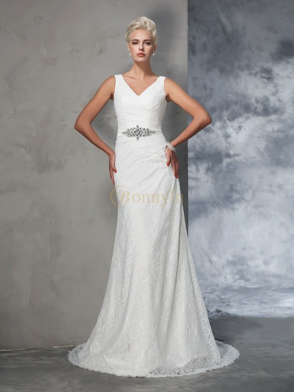 Ivory Lace V-neck Trumpet/Mermaid Court Train Wedding Dresses