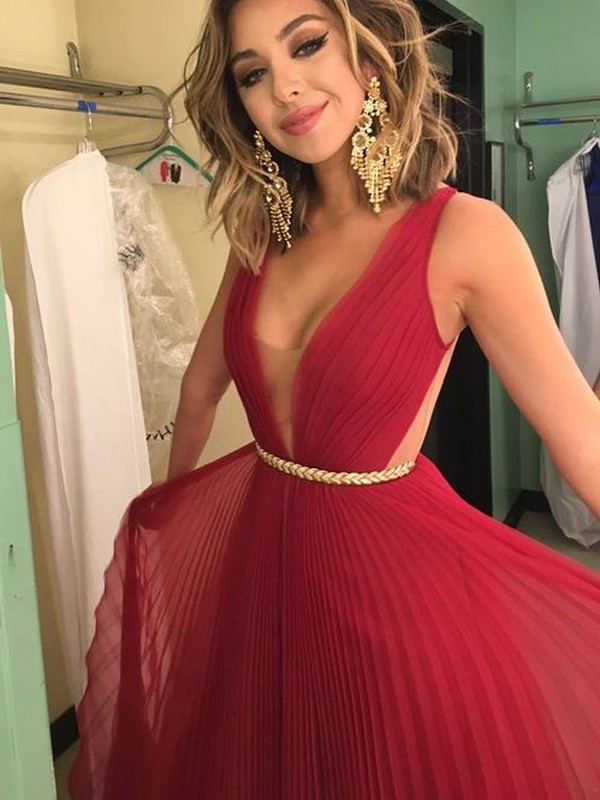 Red Chiffon V-Neck A-Line/Princess Floor-Length Prom Dresses