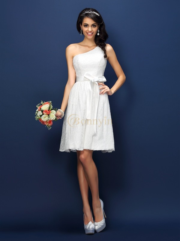 White Lace One-Shoulder A-Line/Princess Short/Mini Bridesmaid Dresses