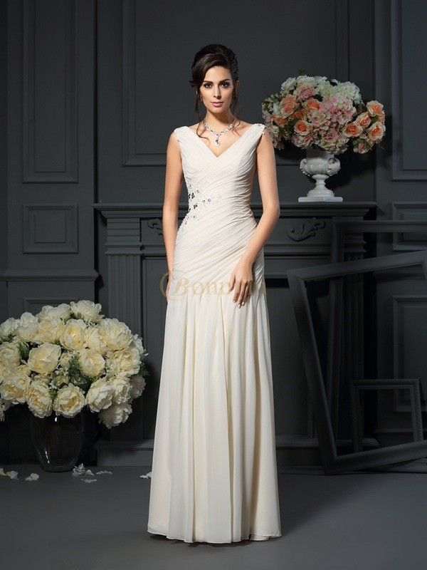 Champagne Chiffon V-neck Sheath/Column Floor-Length Mother of the Bride Dresses