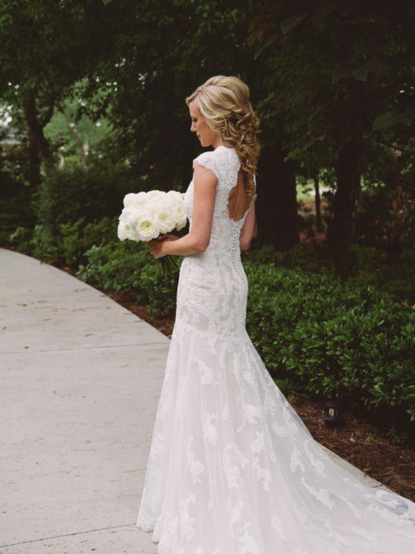 Ivory Lace V-neck Sheath/Column Court Train Wedding Dresses